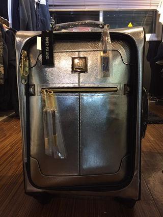 リバーアイランド 旅行バッグ