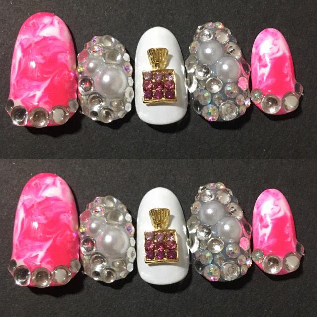 ピンクマーブル 香水瓶 - フリマアプリ&サイトShoppies[ショッピーズ]