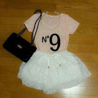 薄ピンク Tシャツ