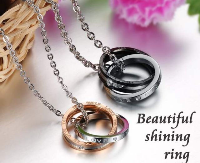 Victoria's jewelryペアネックレス
