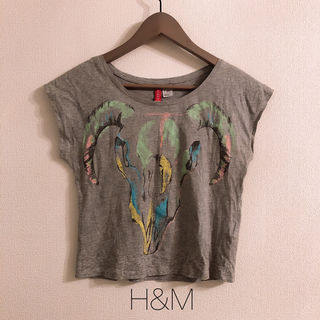 H&M エイチアンドエムグレープリントTシャツ