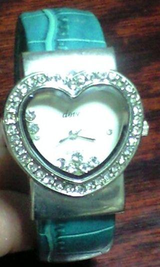 エタニティハートクォーツブレスタイプ腕時計グリーン