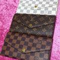 V型二つ折り長財布★どれか1つ