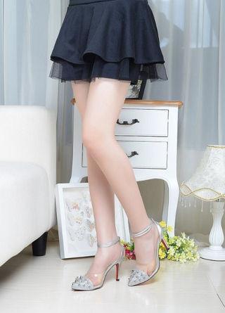 人気美品 優雅 クリスチャンルブタン 美脚 CL定番16