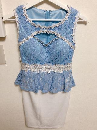 ビジューペプラムドレス