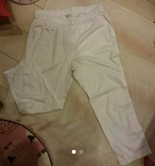 七分丈白パンツ