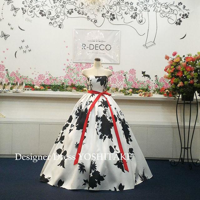 ウエディングドレス(パニエ無料) 白黒プリント柄ドレス