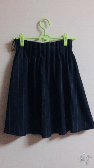 オリーブデオリーブ ストライプ柄ネイビースカート