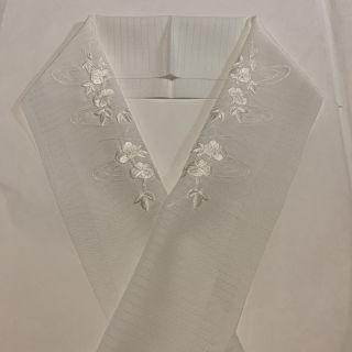 半衿  半襟  夏もの白地に白糸での刺繍   朝顔の柄 6月