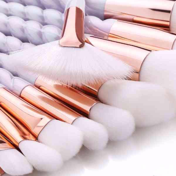 メイクブラシ ホワイトカラー ユニコーンモデル 10本セット - フリマアプリ&サイトShoppies[ショッピーズ]