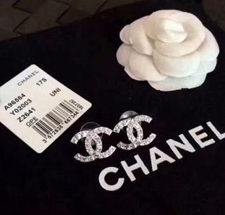 ピアス シルバー ダイヤモンド ロゴ様式