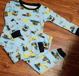 カーターズ80パジャマ