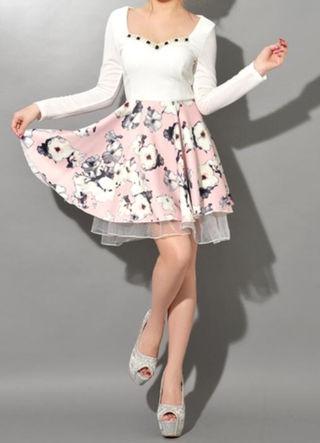 長袖花柄Aラインフレアミニドレス