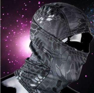 ただの目だし帽じゃない! 高機能3Wayフェイスマスク迷彩