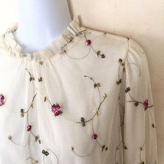 エムズエキサイト 花柄 刺繍 フラワー ブラウス