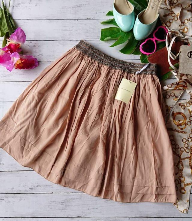 新品!タグ付き!EMMAJAMESラメ入り刺繍スカート