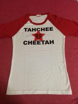 TAHCHEETシャツ
