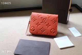 国内発送。注目された美品 新作財布