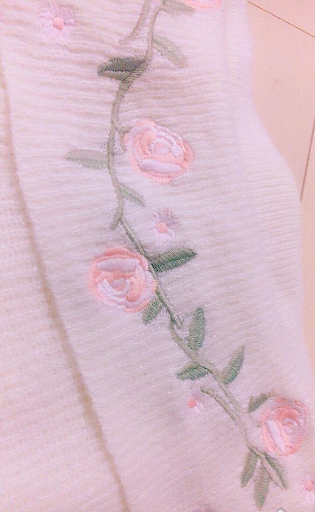 新品 花柄 刺繍 オフショル ニット