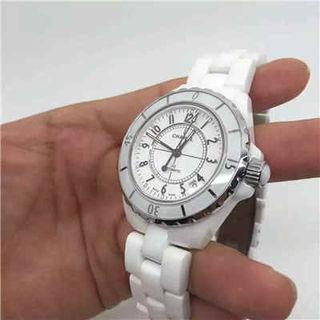 シャネル J12 腕時計 自動巻き 人気