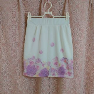 リュクスローズ スカート