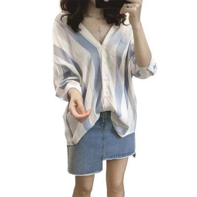 新品体型カバーシャツブラウスゆったり風Vネック可愛