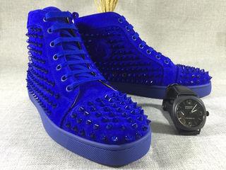 人気商品、クリスチャンルブタン靴