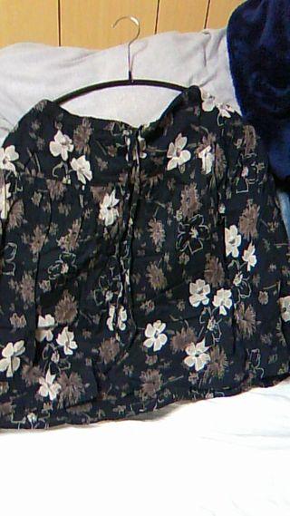 花柄膝丈スカート