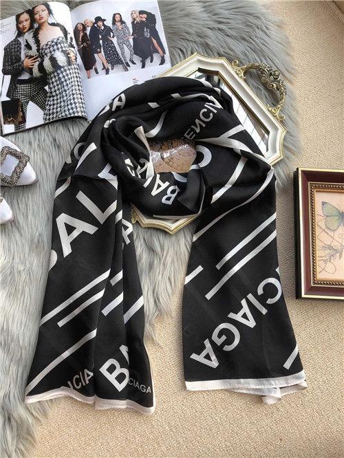 特価セール バレンシアガ スカーフ 高品質