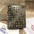 新品CHRISTIANLOUBOUTIN 二つ折り財布