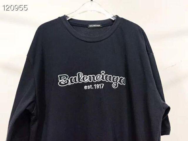 バレンシアガ 男女兼用 刺? 半袖Tシャツ