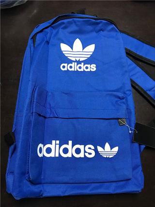 超人気美品 Adidasバッグ   一つだけ 値下げ