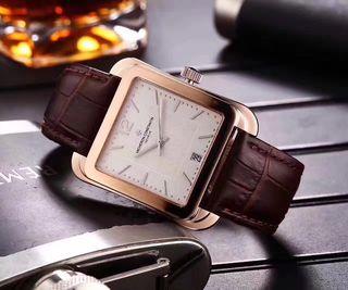 【早い者勝ち】Constantin人気腕時計 レトロな