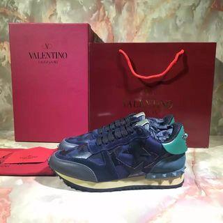 Valentino スニーカー  国内発送