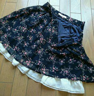 ハニーズ花柄シフォンスカート