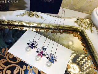 注目された美品 SWAROVSKI 大人気デザイン 3色