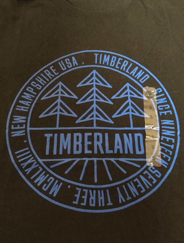 ニューヨーク限定ティーツリー ロゴ入りTシャツ黒
