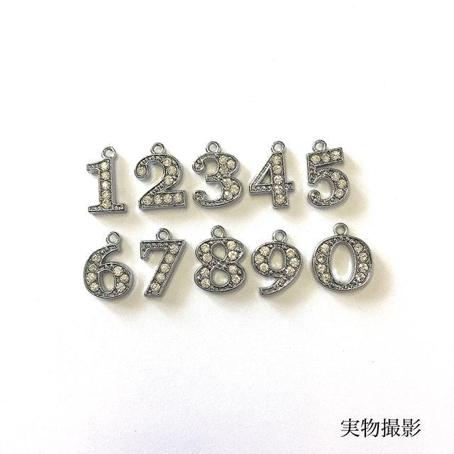 359 値下げ!最高級スワロビーズ使用大人気数字ネックレス