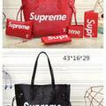 supreme 5点セット人気ブランド
