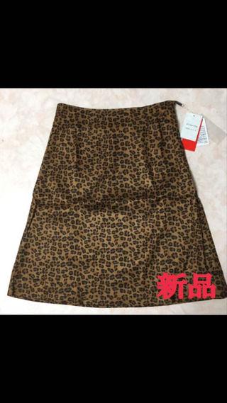 43. 新品 スカート