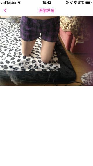 紫チェックショートパンツ