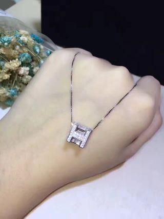 Hermesエルメス キューブ ネックレス 刻印あり
