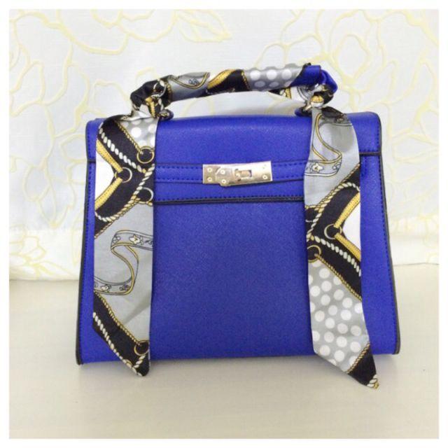 12031a9c9c26 新品2wayスカーフ付きハンドバッグ青 - フリマアプリ&サイトShoppies[ショッピーズ]