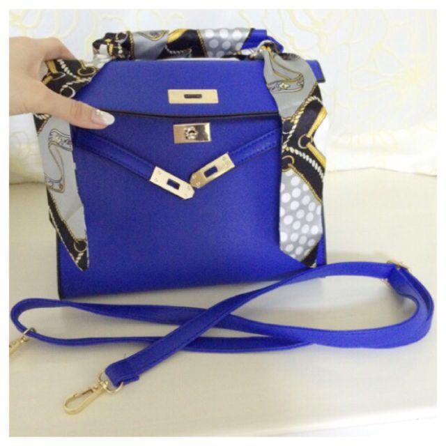 122ee35c79be ... フリマアプリ&サイトShoppies[ショッピーズ]; 新品2wayスカーフ付きハンドバッグ青 ...