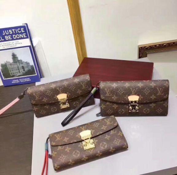国内発送 経典美品 定番人気レディース財布