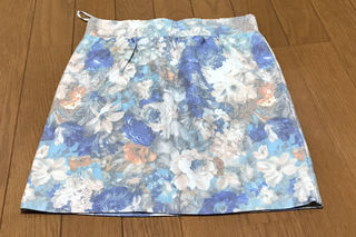 《未使用》ぼかし花柄 ミニスカート