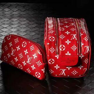 シュプリーム&ルイヴィトンのコラボ 2点セットの化粧品バッグ