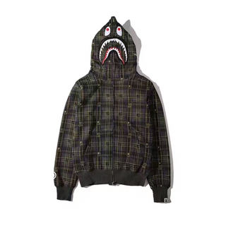 A BATHING APE ×UNDEFEATED パーカー