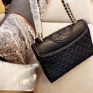 人気新作 美品 バッグ 綺麗。国内発送
