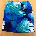 黒に青の花柄LIP SERVICE